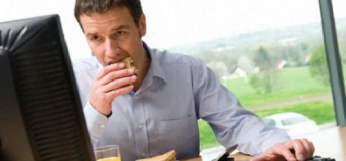 48% de los chilenos tiene malos hábitos a la hora de almorzar