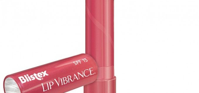Blistex lanza versión con espejo que hidrata y protege tus labios con un toque de color