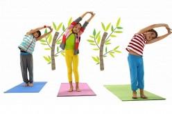 Vacas protagonizan programa de TV que enseña yoga a niñas y niños