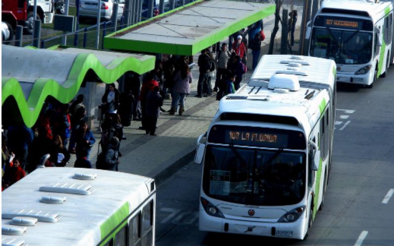 Suben tarifas de Metro y Transantiago