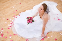 Novias buscan despejar arrugas e luminar el rostro antes de su matrimonio