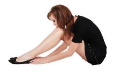 Sedentarismo, sobrepeso y tacos altos influyen en la aparición de várices
