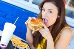 Hábitos de alimentación de chilenos continúan deficientes aunque mejoran índices de actividad física y tabaquismo