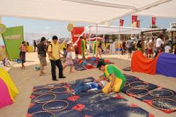 Leche Nido Etapas potencia el desarrollo de los niños con innovador parque de ejercicios playero