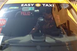 Iniciativa Taxi Feliz sorprende a cientos de pasajeros