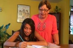 Conoce esta linda historia de la tía Chely: Una Vida Dedicada a Los Niños de Aldeas Infantiles Sos