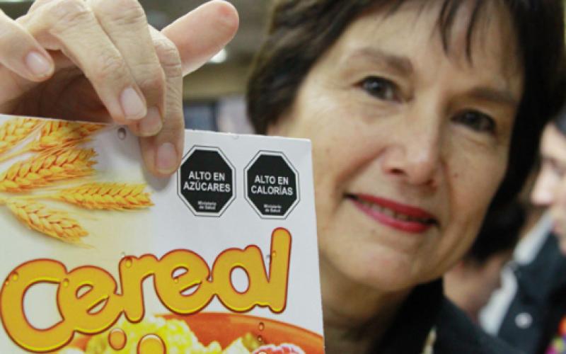 Nuevo etiquetado de alimentos: Ley le hace la guerra a la obesidad