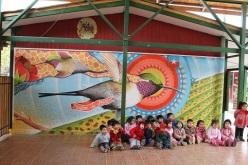Mamtástico:Muralista llena de colores escuelas públicas de la VI región