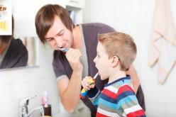 ¿Cómo incentivar a los niños para que se quieran lavar los dientes?