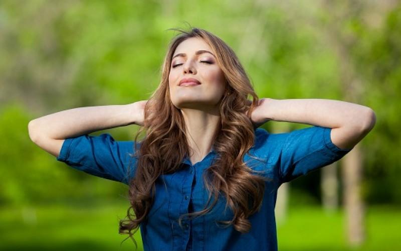 Un experto nos enseña a cuidar nuestro cabello del sol