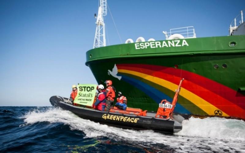 Histórico barco de Greenpeace recibe a ciudadanos en Valparaíso