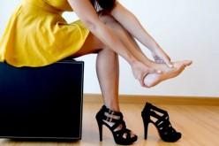 Tacos altos y factores genéticos pueden causar dolorosos juanetes