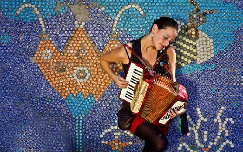 Cantautora chilena Pascuala Ilabaca lanza su cuarto disco