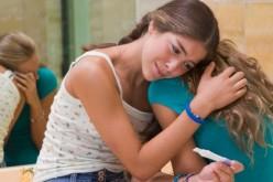 Por qué ha bajado la tasa de embarazo adolescente