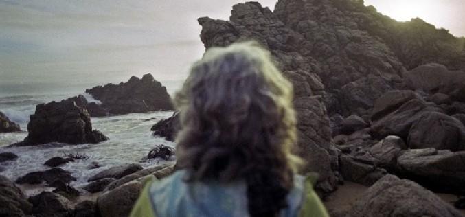 Fotógrafa recorre escondidos parajes en busca de mujeres solitarias