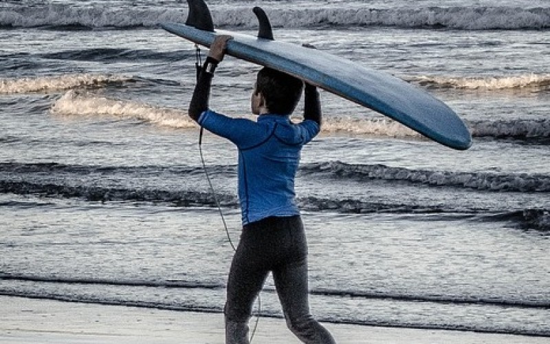 Se inaugurará Escuela de Surf Tongoy que apoyará a niños en riesgo social